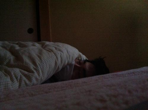 寝ているまぁたろう
